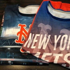 Bundle of 2 NY METS ⚾️ t-shirts XL (16)